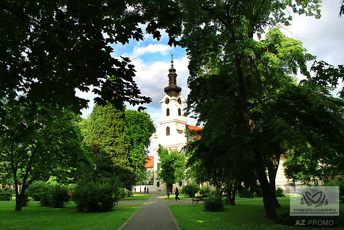 Die Kathedrale der hl. Teresa von Avila in Bjelovar
