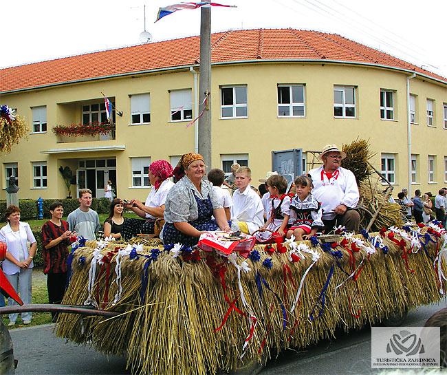 Dožínky - češke žetvene svečanosti, Končanica
